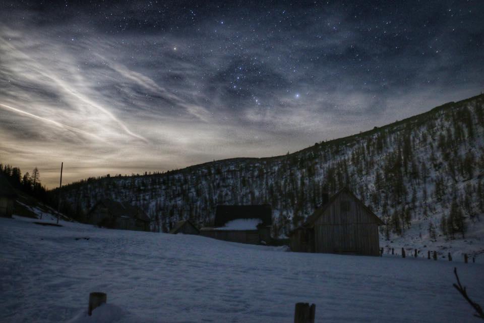 Hochmoelbinghuette-Panorama-Nacht-Totes-Gebirge-Sterne-David-Schuster